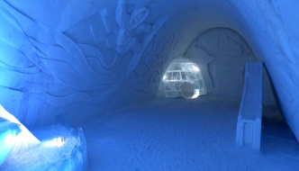 LumiLinna-SnowCastle2012-sports-theme